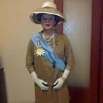 Costume Regina Elisabetta II
