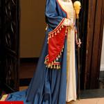 costume regina medievale