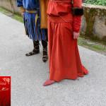 dettaglio calzature tipiche medievali