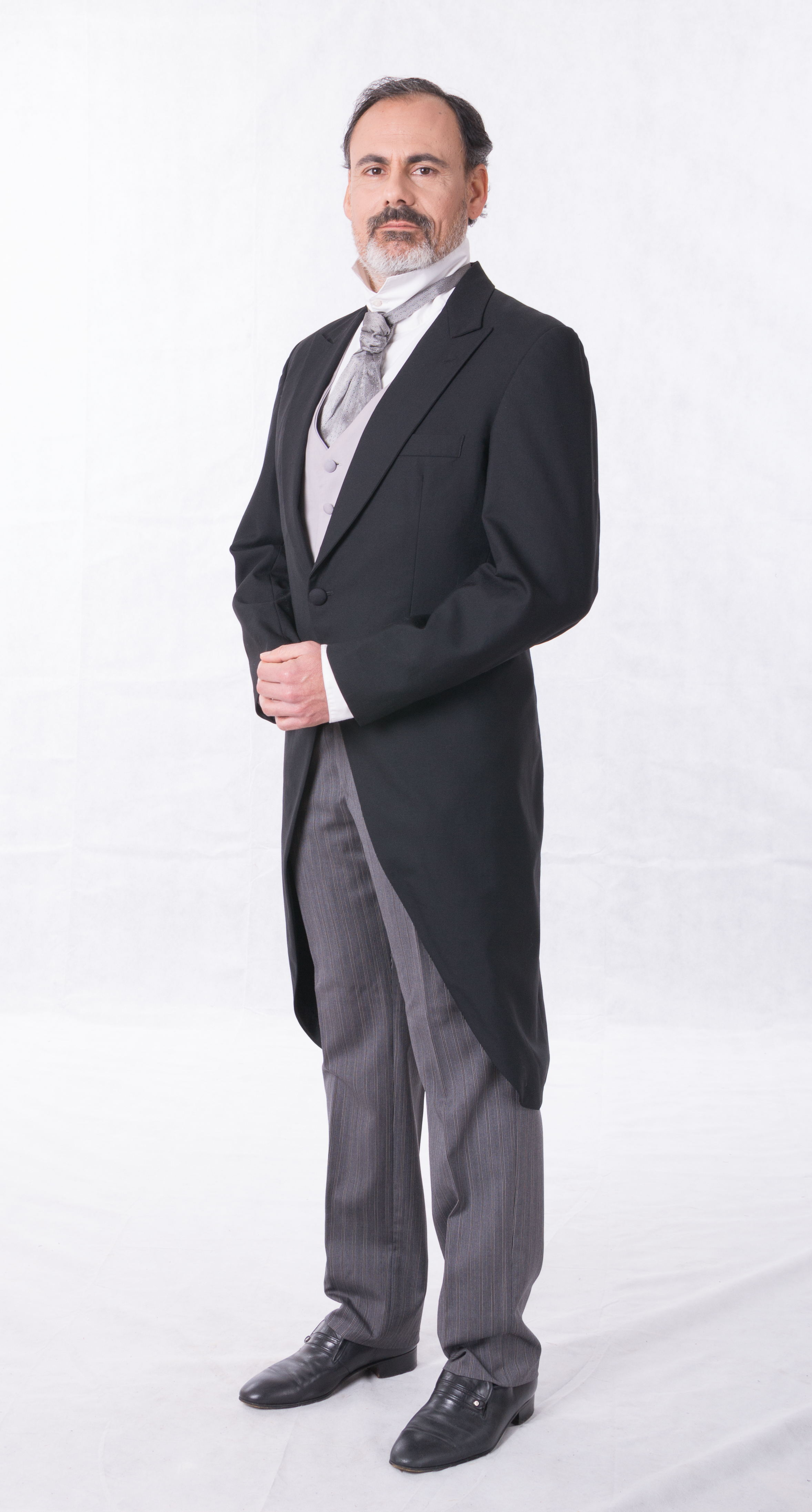 abito tight uomo