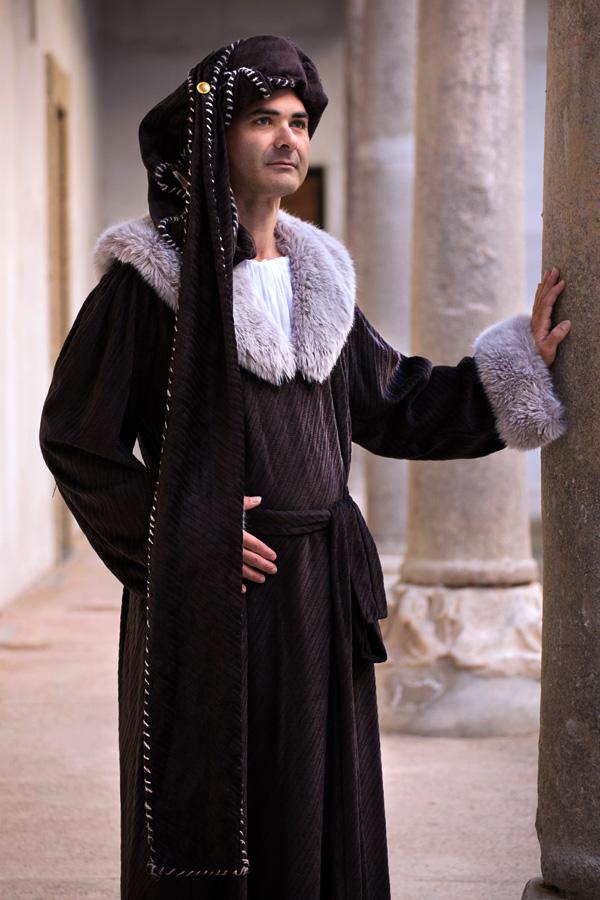 abito-medievale-erasmo-(4)