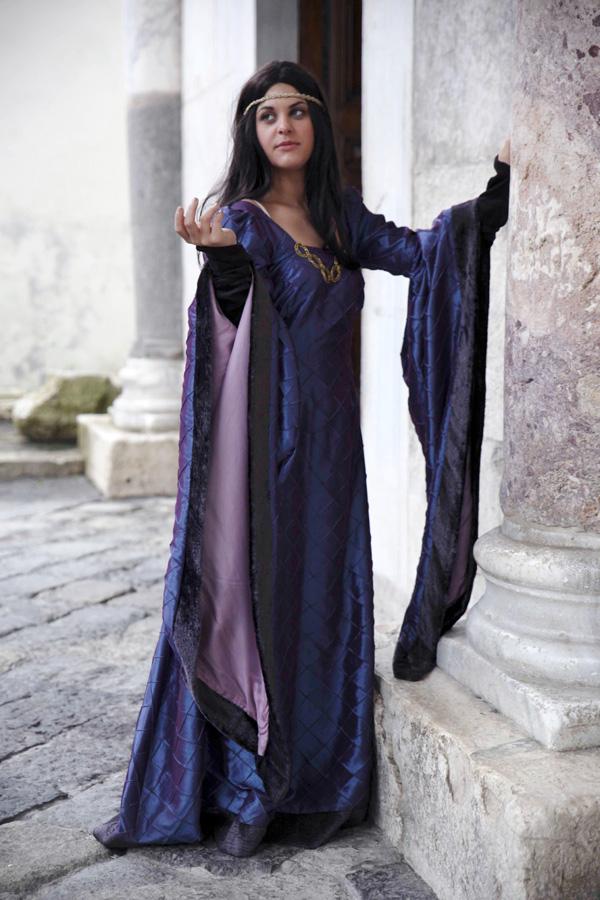abito dama medievale